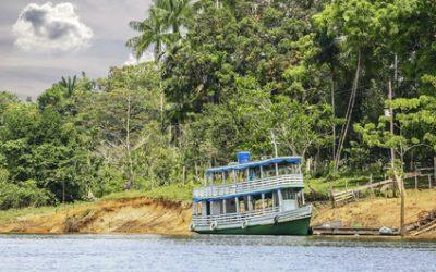 Brasile barca Rio Amazonas