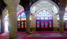Iran, moschea Nasirol Molk Shiraz interior