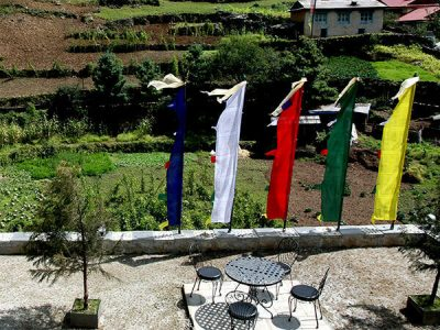 Nepal YMH Monjo2